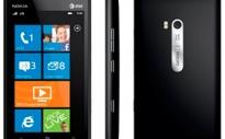 Смартфон-коммуникатор Nokia Lumia 900